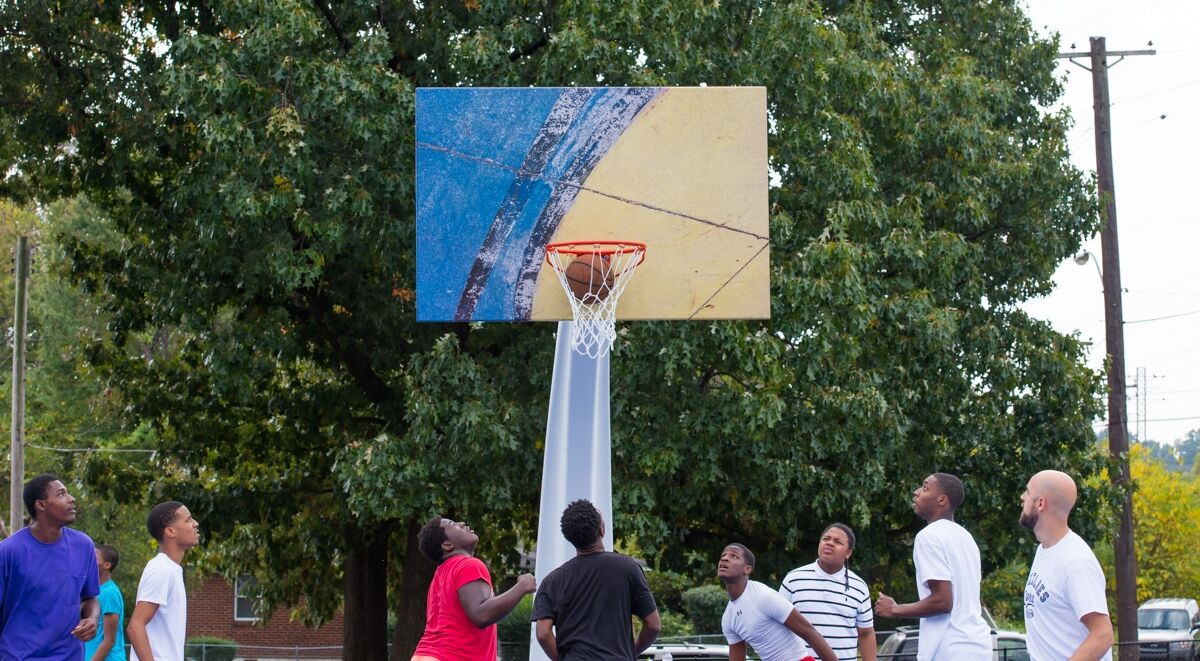 Kevin Couliau, Blue Backboard, Howze Park, Memphis, TN. Photo by Spencer Soo.