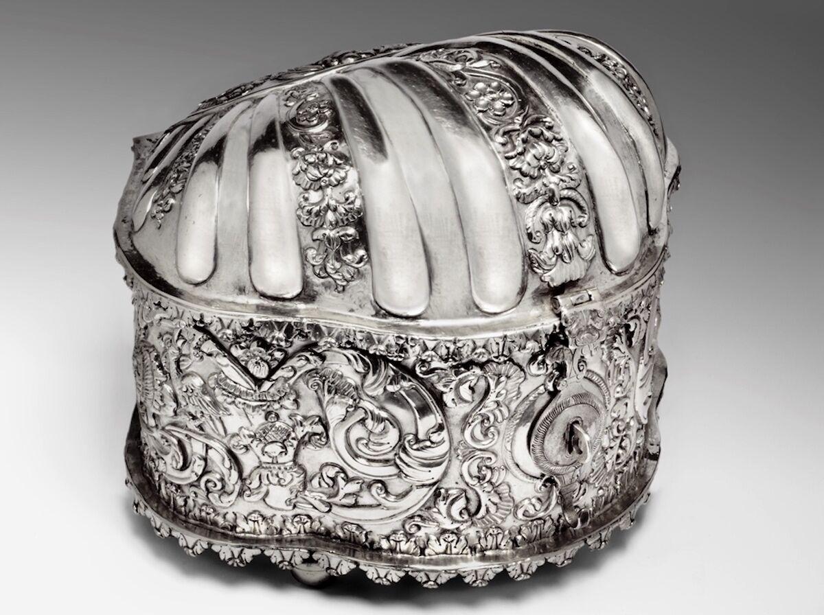 Unknown artist, Coquera (coca box), Bolivian, c. 1730, silver. Courtesy the Blanton Museum of Art, The University of Texas at Austin.