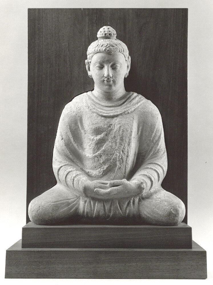 Buda meditando, ca.  Siglos III-V, Pakistán.  Cortesía del Museo Metropolitano de Arte.