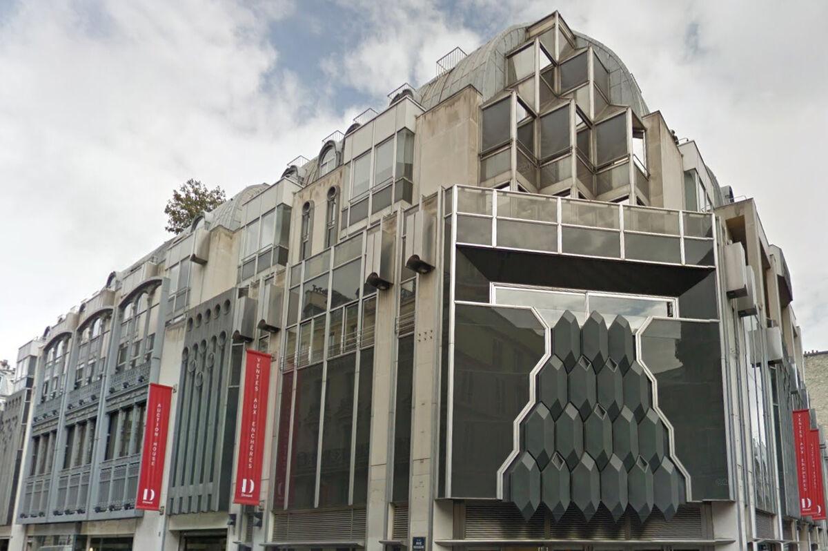 The exterior ofHôtel Drouot, Paris. Image via Google Maps.