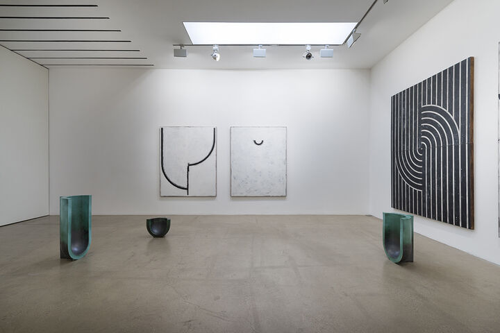 Installation view courtesy of Timothy Taylor Gallery.