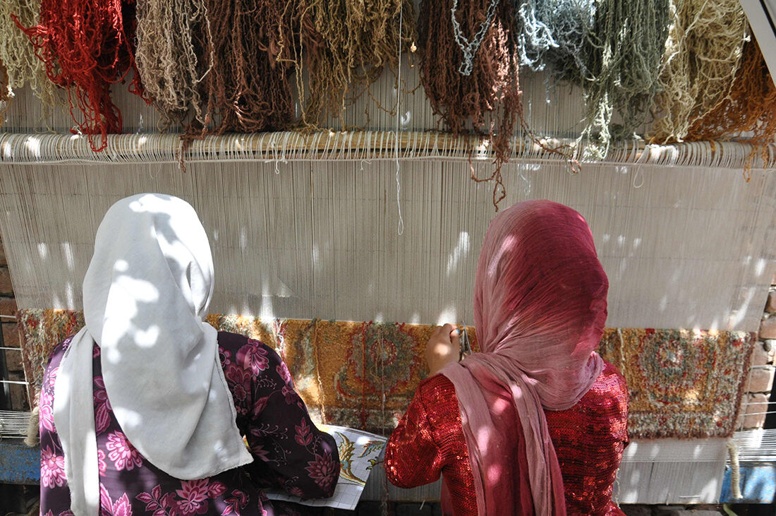 Image ofAfghani women weavers courtesyFatima Bint Mohammed Initiative.