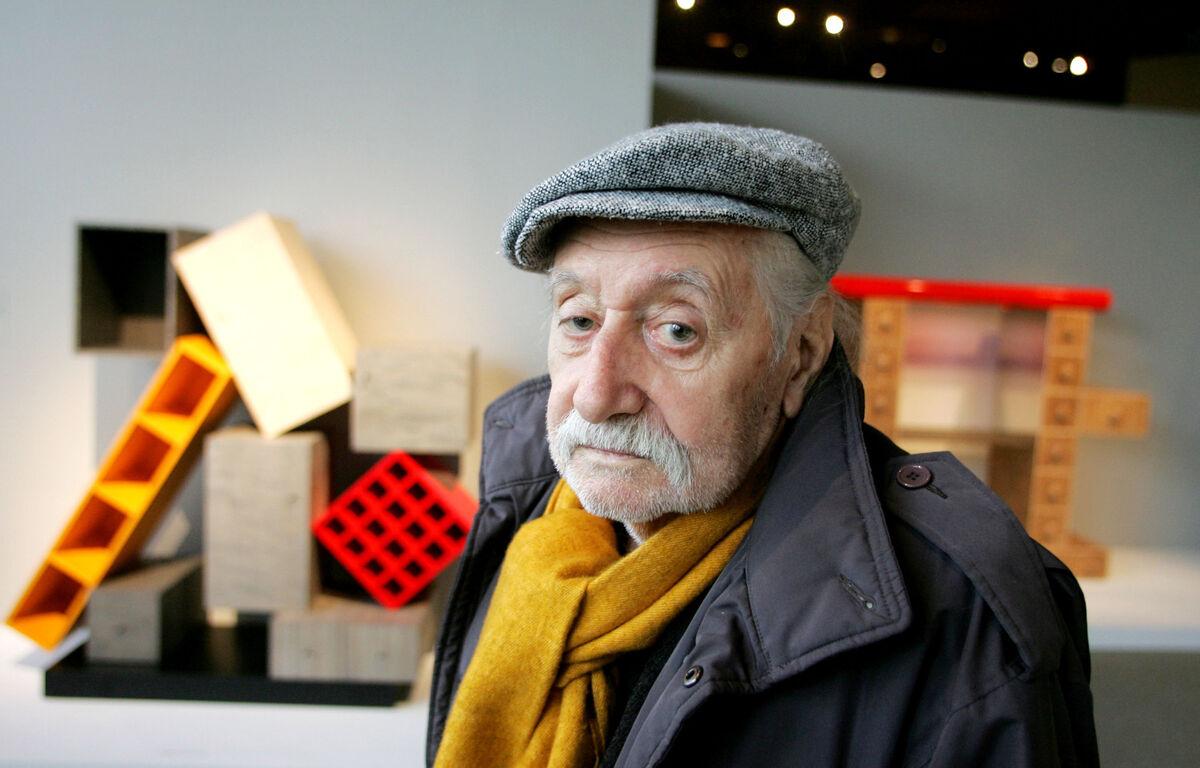 Portrait of Ettore Sottsass by J. Emilio Flores/Corbis via Getty Images.