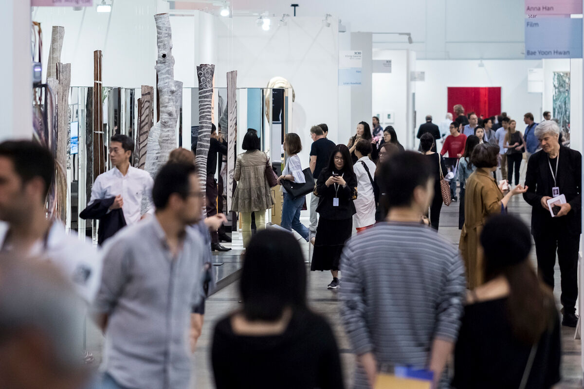Visitors to the 2018 edition of Art Basel in Hong Kong. Photo © A
