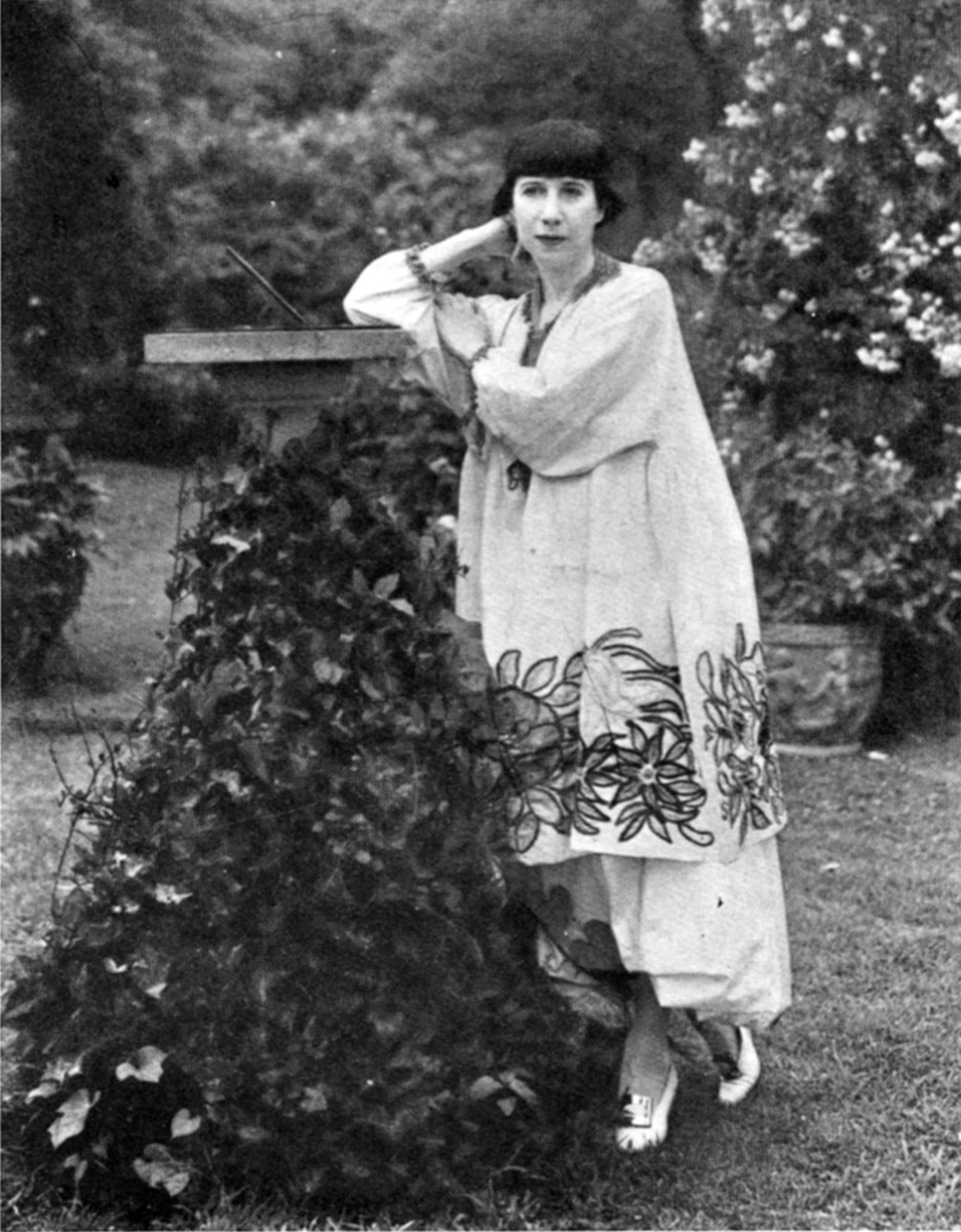 Florine Stettheimer in her Bryant Park garden, c. 1917-1920. Florine Stettheimer papers, Rare Book and Manuscript Library, Columbia University.