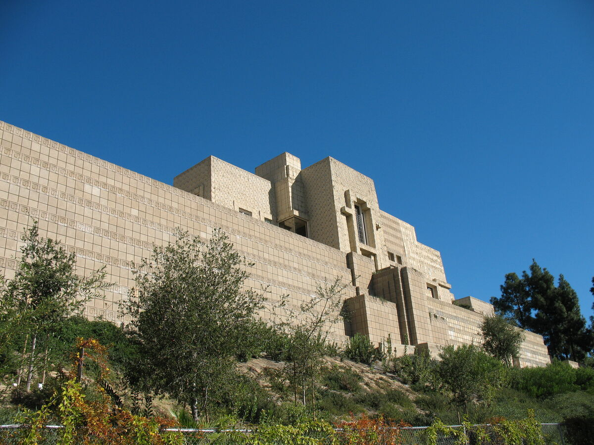 Frank Lloyd Wright, Ennis House. Photo by John Jacobsen, via Flickr.
