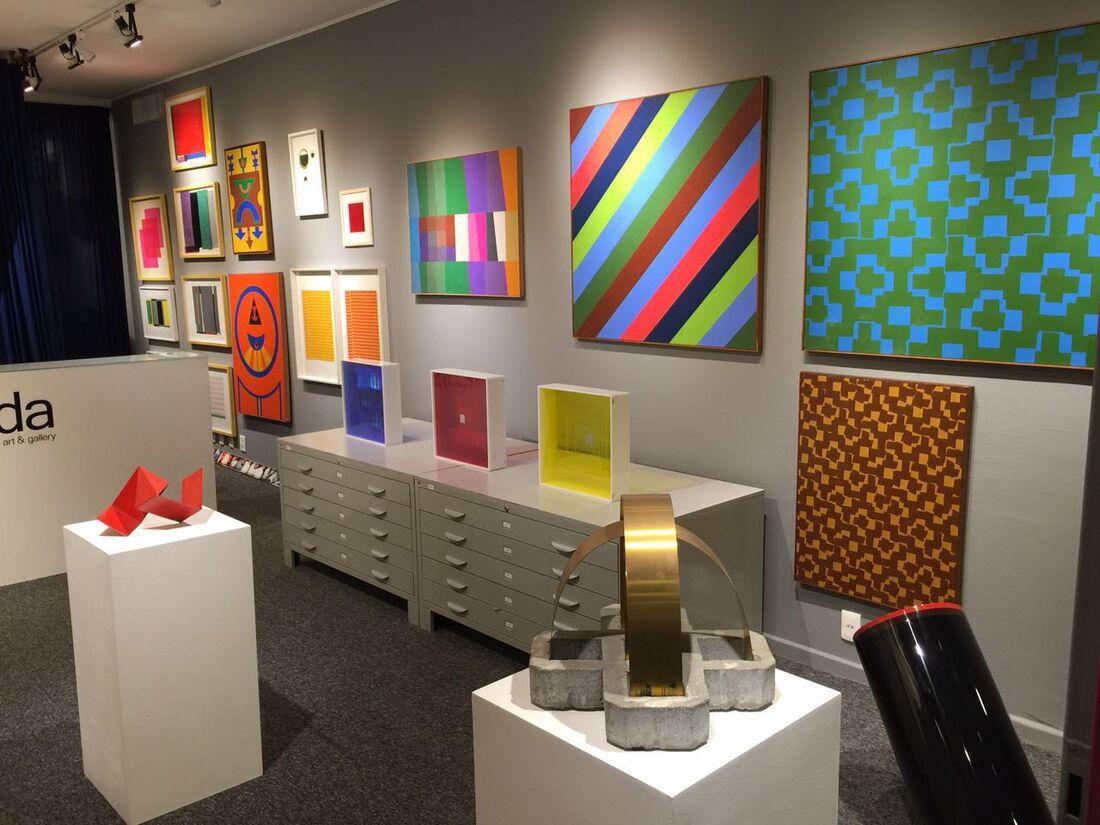Cor e Forma, installation view; Courtesy Luhda Arte.