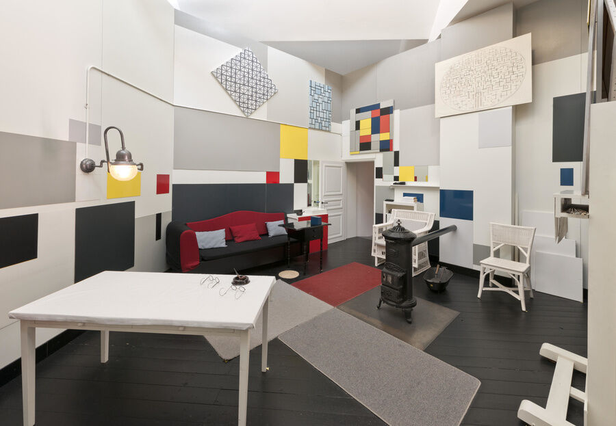 "Reconstruction of Mondrian's studio at 26 Rue du Départ, Paris, which was on display in ""Mondrian and his Studios"" at Tate Liverpool from 6 June - 5 October 2014. © Tate Photography, David Lambert & Rod Tidnam. Courtesy of Tate."