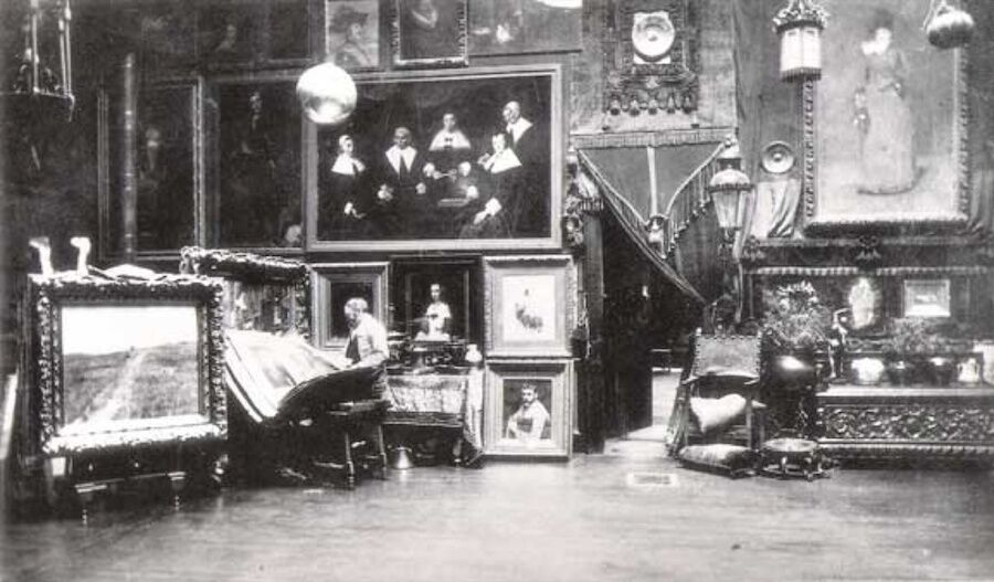 Noel Rowe, William Merritt Chase in his studio on Tenth Street, New York. Image via Wikimedia Commons.