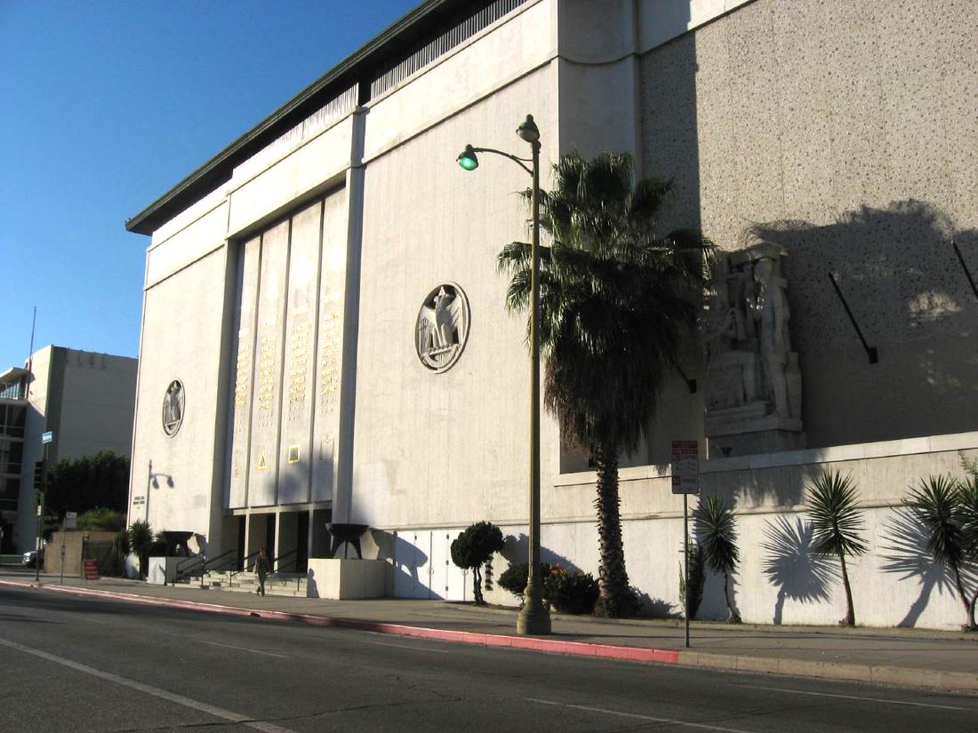 Scottish Rite Masonic Temple, Wilshire Blvd, Los Angeles, California (16). Photo by Ken Lund via Flickr.