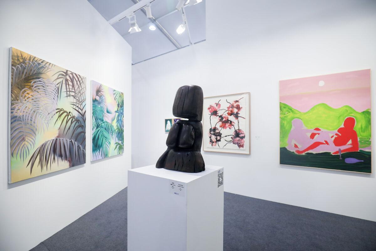 Installation view of work exhibited by HdM Gallery (HdM画廊) at Art Chengdu, 2018. Courtesy of Art Chengdu.