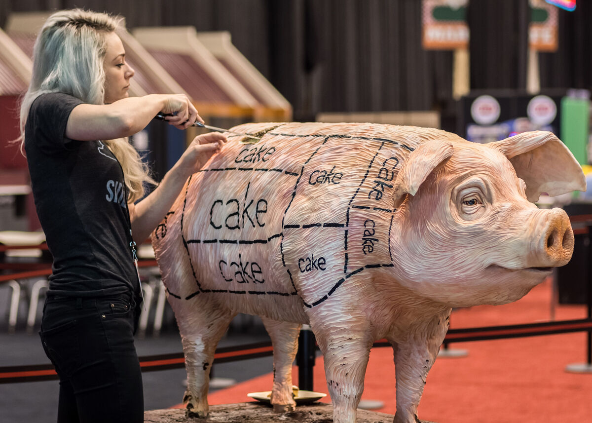 Pig cake by Sideserf Cake Studio. Courtesy of Sideserf Cake Studio. ©Rosado.