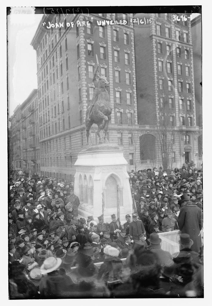 Unveiling of the Joan of Arc statue by Anna Vaughn Hyatt Huntington, Riverside Park, New York, NY, December 6, 1915. Courtesy of the Library of Congress.