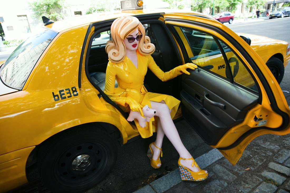 Pandemonia, New York Taxi. Photo by Simon Cave. Courtesy of Laurence King Publishing.