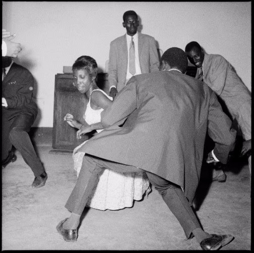 Malick Sidibé, Dansez le Twist, 1965 © Malick Sidibé, Courtesy of Galerie MAGNIN-A.