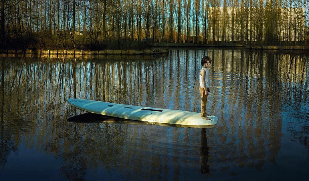 Ellen Kooi, Nieuwe Meer - surfplank, 2016. Courtesy of the artist and camara oscura galeria de arte, Madrid