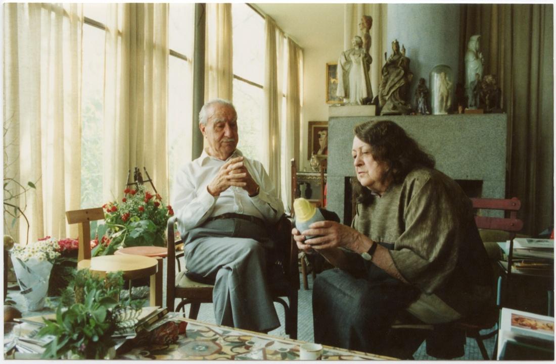 Bardi and Lina. Photo by Marcelo Ferraz, 1991. Courtesy of Instituto Lina Bo e P.M. Bardi archive.