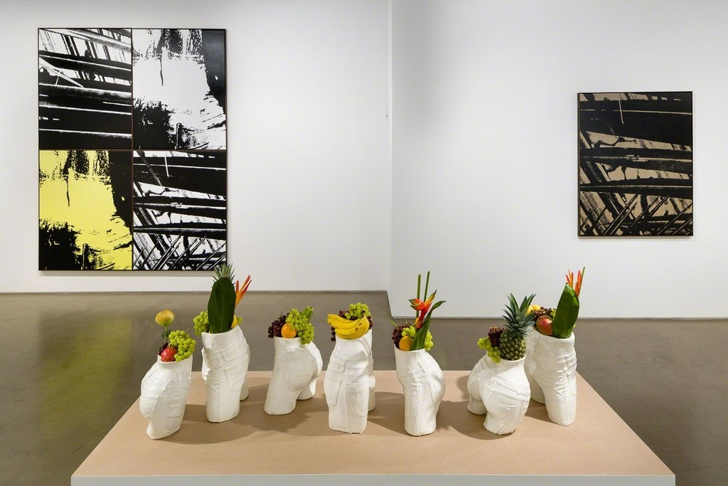 Installation view ofHéctor Arces Esparsas at Taymour Grahne. Photo courtesy of the gallery.