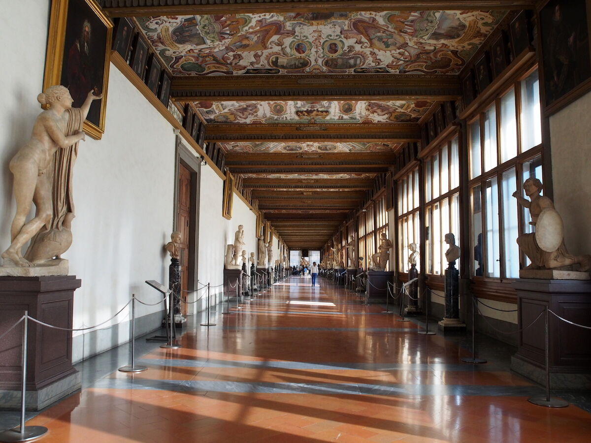 A gallery at the Uffizi in Florence. Photo by Petar Milošević, via Wikimedia Commons.