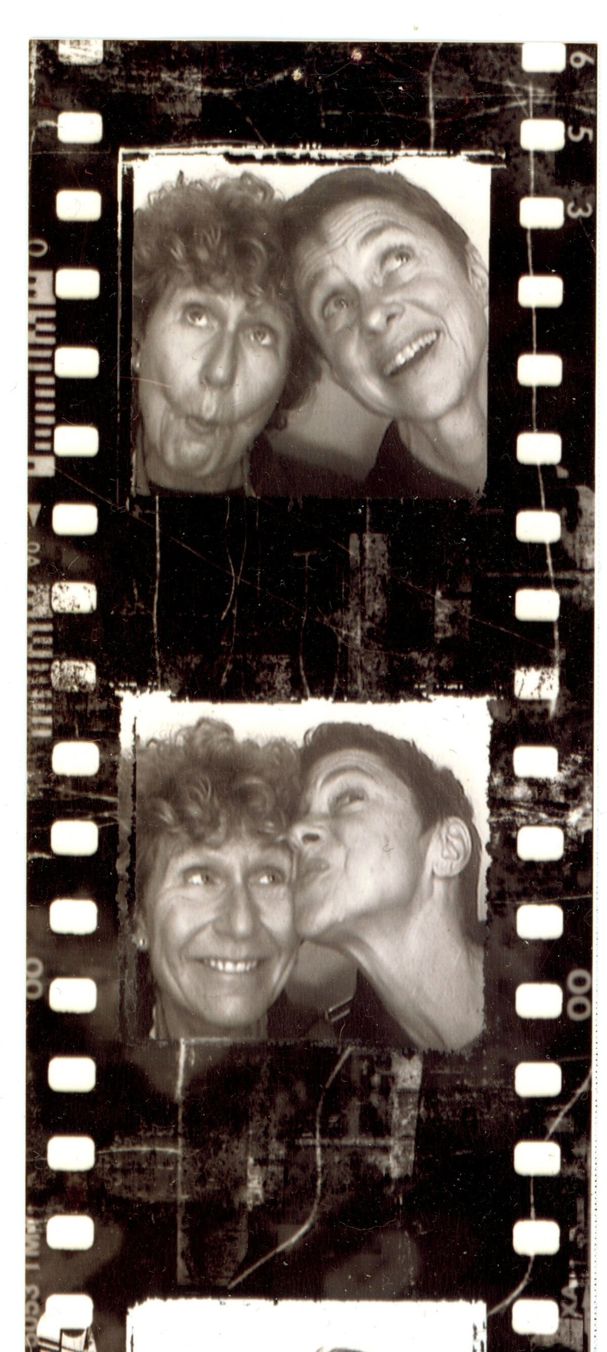 Barbara Levine & Paige Ramey. Courtesy of the Collection of Barbara Levine / Project B.