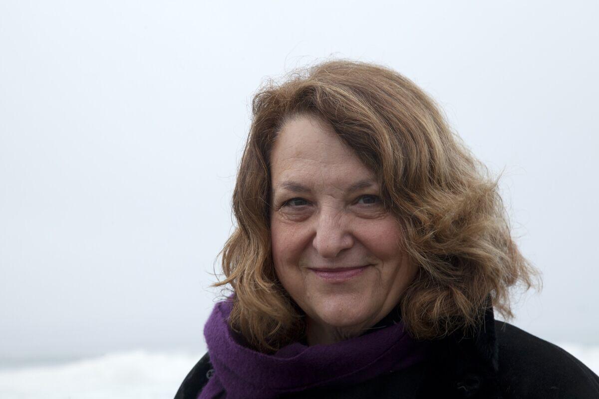 Portrait of Lynn Hershman Leeson by Lisa Blatt. Photo courtesy of the artist.