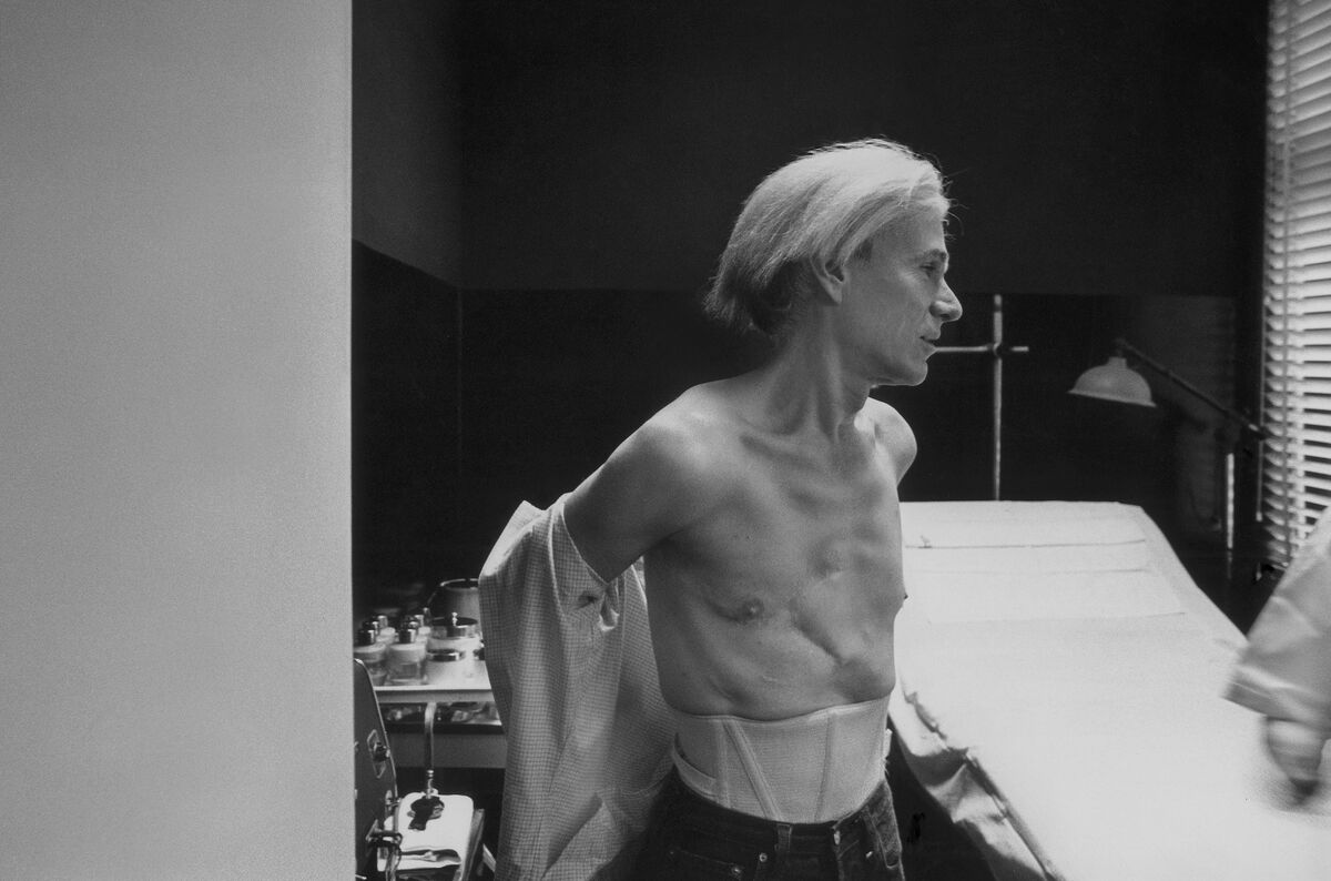 Robert J. Levin, Andy Warhol Undressing for Facial, 1981. Courtesy of Maison Gerard.