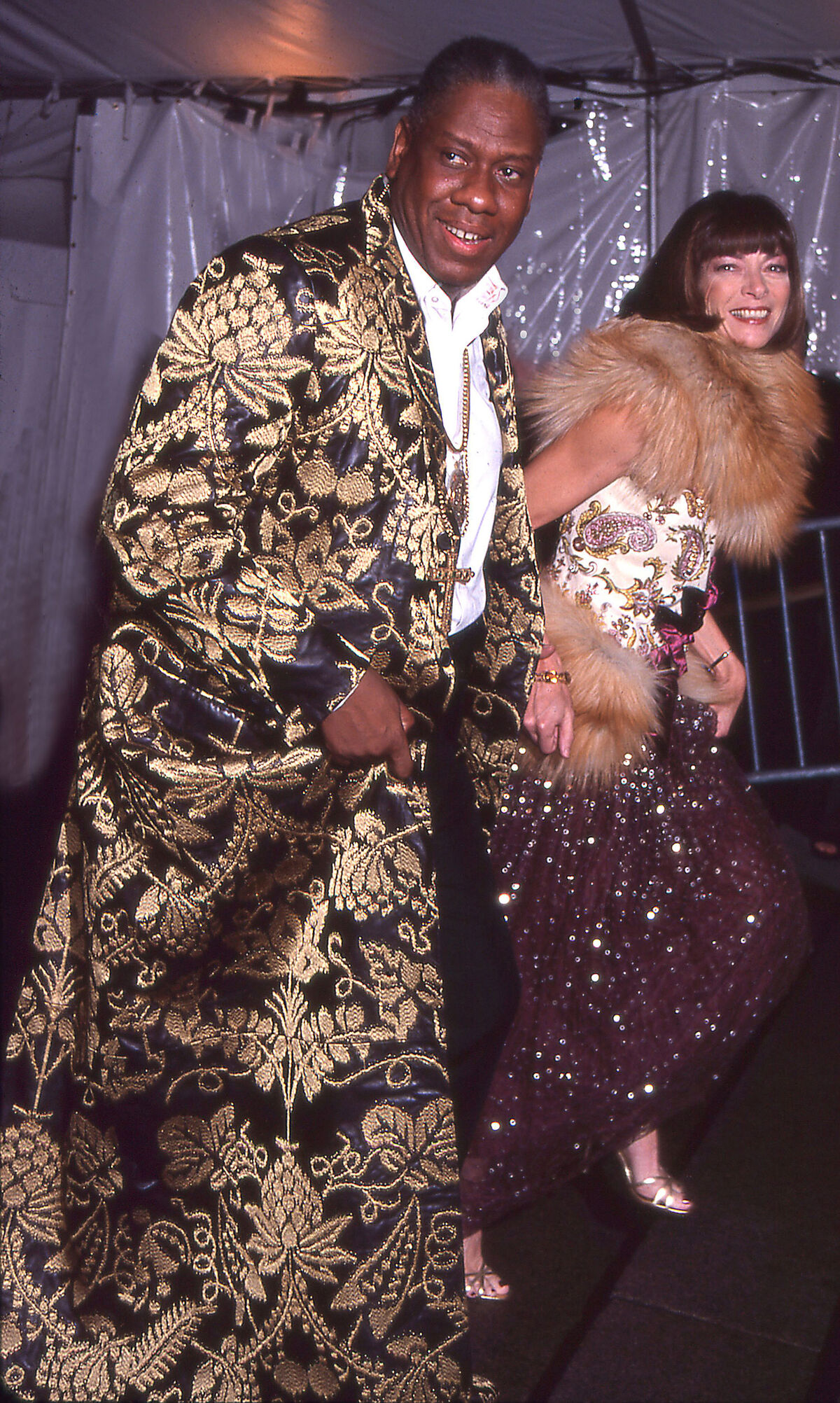 Editor-at-large Andre Leon Talley and Editor-in-chief Anna Wintour at the Costume Institute Gala at the Metropolitan Museum of Art, New York, 1999. Photo by Rose Hartman/Getty Images.