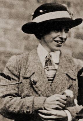 Photo of Mary Richardson, taken by a Scotland Yard detective. Image via Wikimedia Commons.