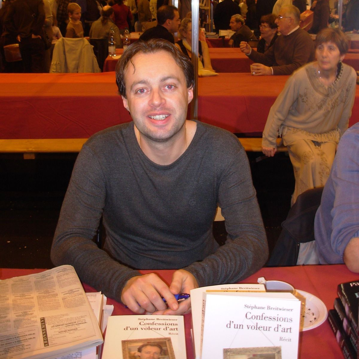 Stéphane Breitwieser at a book fair in 2006. Photo by Jef-Infojef, via Wikimedia Commons.
