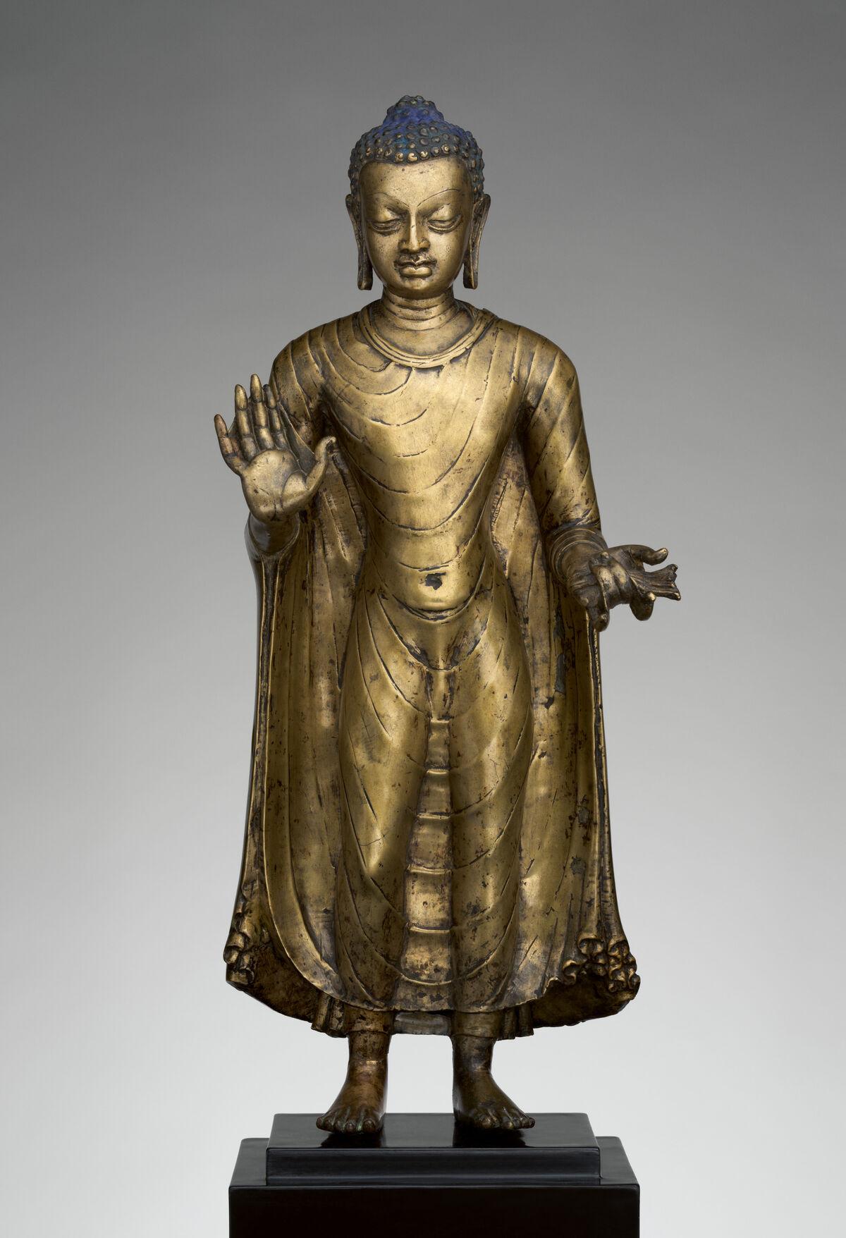 Buda, finales del siglo VI al principio del séptimo siglo, India (probablemente Bihar).  Cortesía del Museo Metropolitano de Arte.