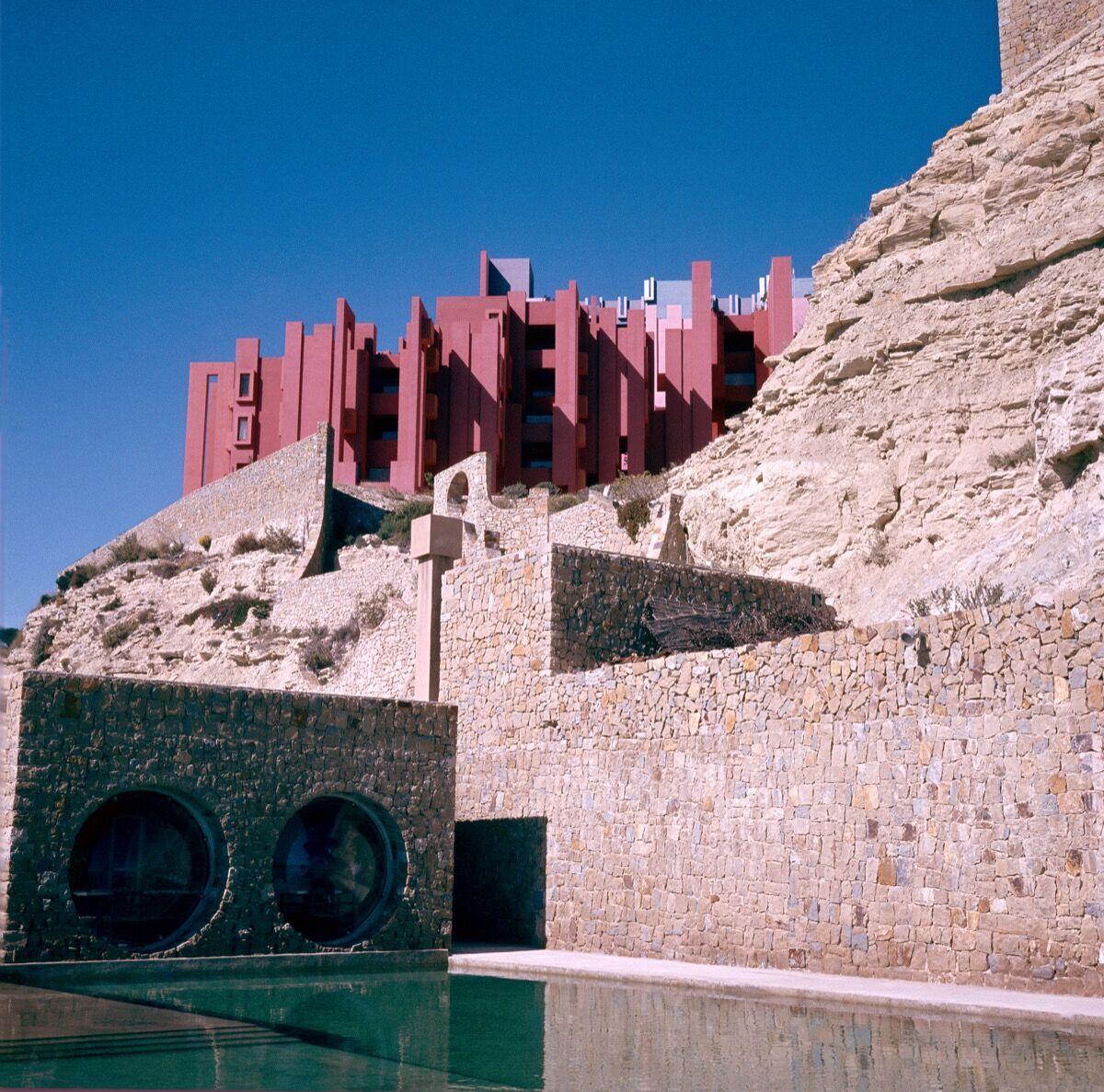 """Ricardo Bofill, La Muralla Roja (""""The Red Wall""""), 1973. Courtesy of Ricardo Bofill Taller de Arquitectura."""