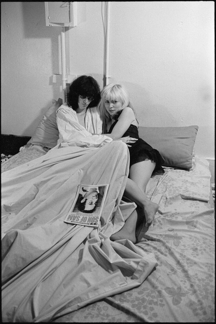 Roberta Bayley, Joey Ramone and Debbie Harry, 1977. Courtesy of the artist.