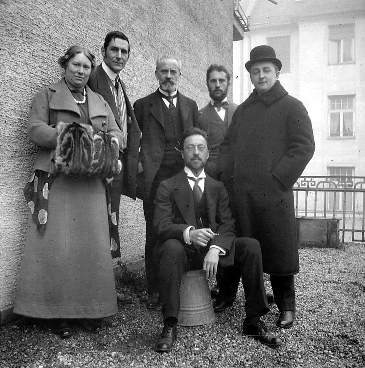 Wassily Kandinsky with a group of artists from the Blue Rider. Photo by Fine Art Images/Heritage Images/Getty Images.