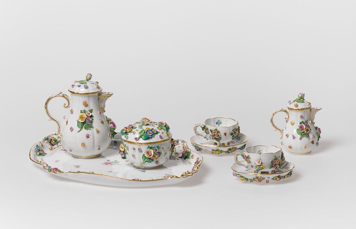 Meissen Porcelain Königlich-Sächsische Coffee Service, 1880–90. © Museum für Gestaltung Zürich. Courtesy of the Museum für Gestaltung Zürich.