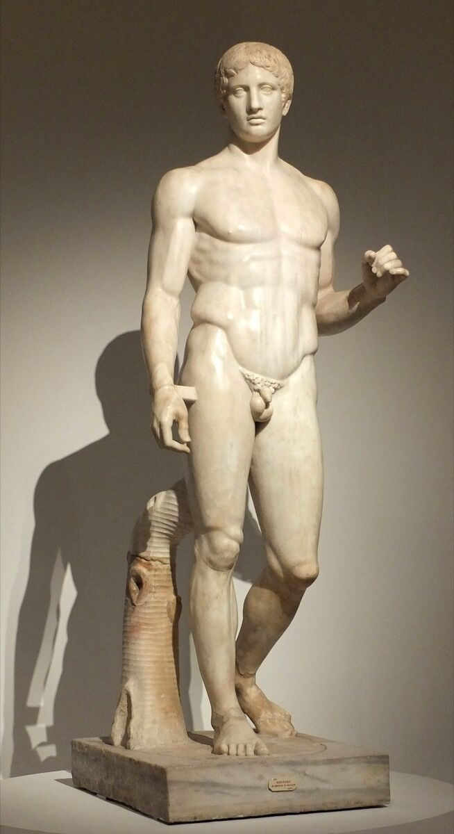 Polykleitos, Doryphoros (Spear Bearer), Roman copy of 440 BCE Greek original. Archaeological Museum of Naples, Pompeii. Via Wikimedia Commons.