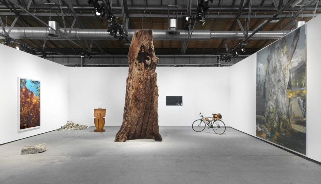 Installation view of neugerriemschneider's booth at Art Berlin, 2017. © neugerriemschneider. Courtesy of the artists and neugerriemschneider, Berlin. Photo by Jens Ziehe.