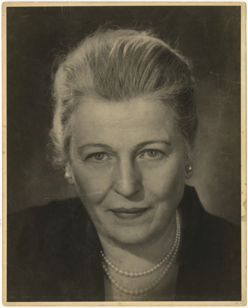 Editta Sherman, Pearl Buck, 1955. Courtesy of the New York Historical Society Museum & Library.