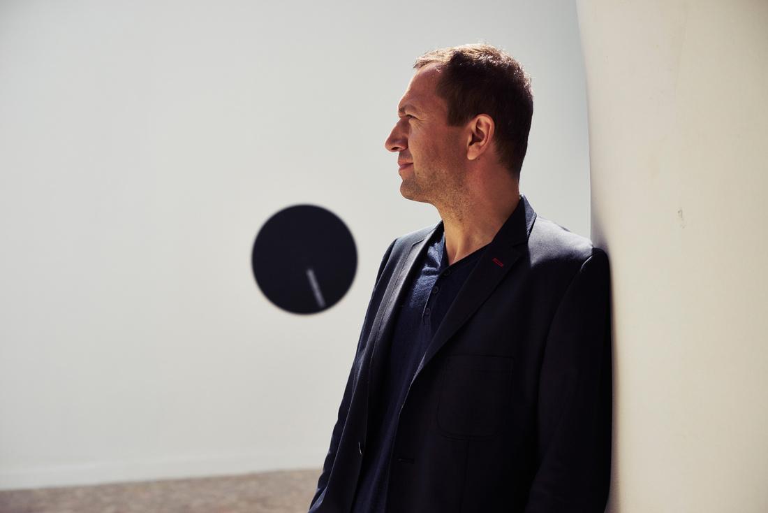 Portrait by Alex John Beck for Artsy.