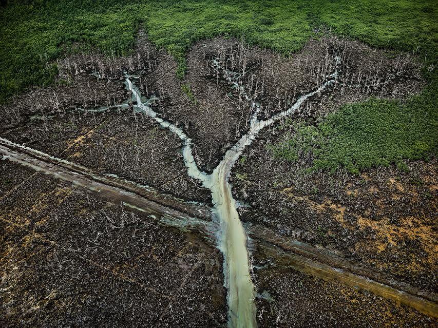 Edward Burtynsky, Oil Bunkering #1, Niger Delta, Nigeria, 2016