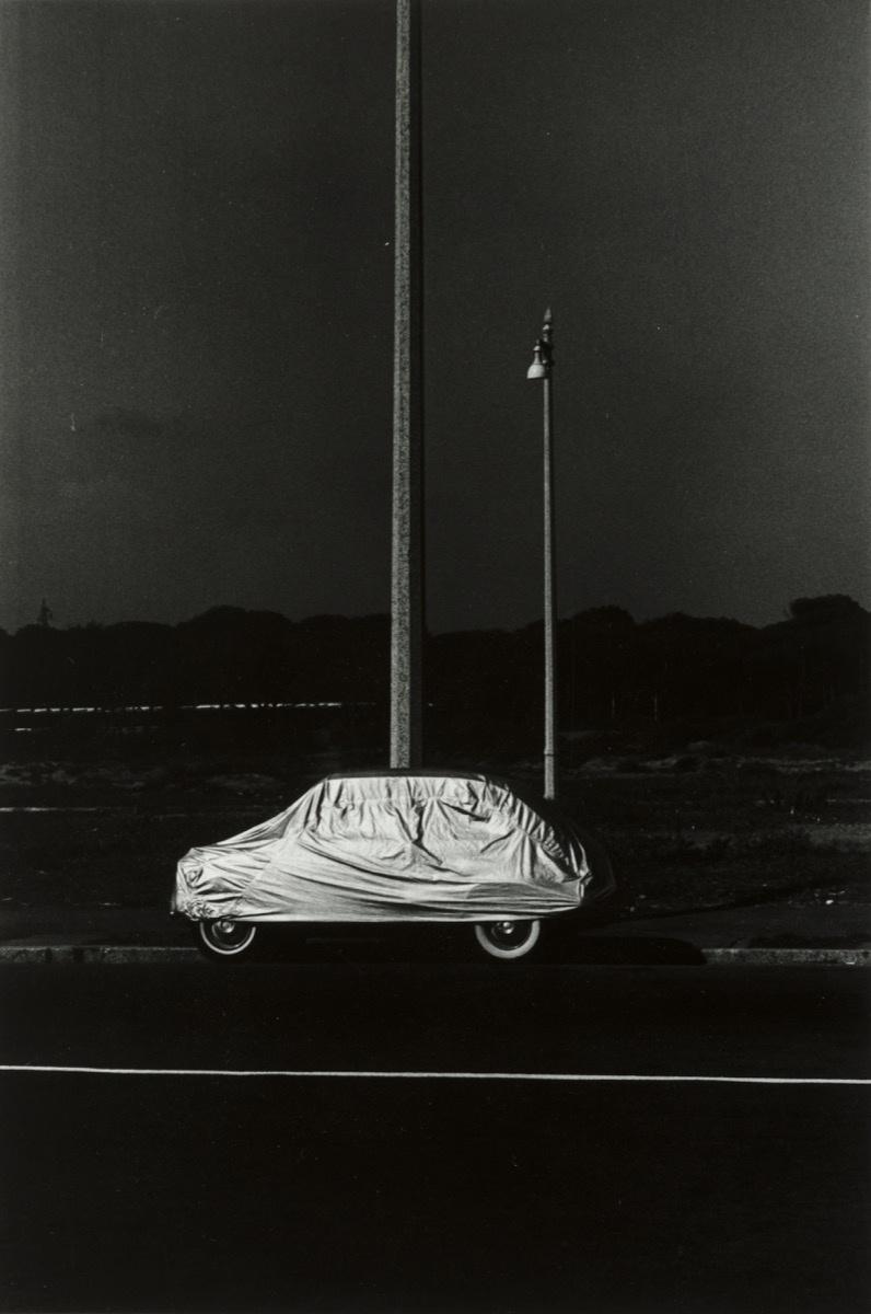 Elliott Erwitt,Rome 1965,1965. Collection of the Akron ArtMuseum. Gift of Dr. Barry Leon.