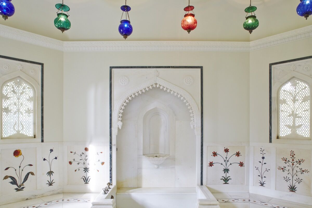 Mughal Suite bathroom. © 2014 Linny Morris. Courtesy of the Doris Duke Foundation for Islamic Art.