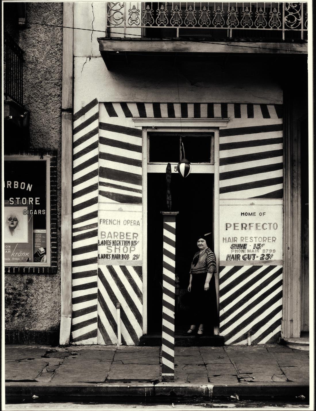 Walker Evans, Sidewalk and Shopfront, New Orleans, 1935. © Walker Evans Archive, The Metropolitan Museum of Art, New York. Courtesy of SFMOMA.