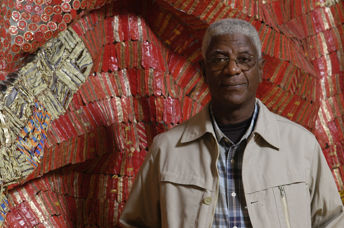 Portrait of El Anatsui. Courtesy of October Gallery. Photo by Andy Keate.