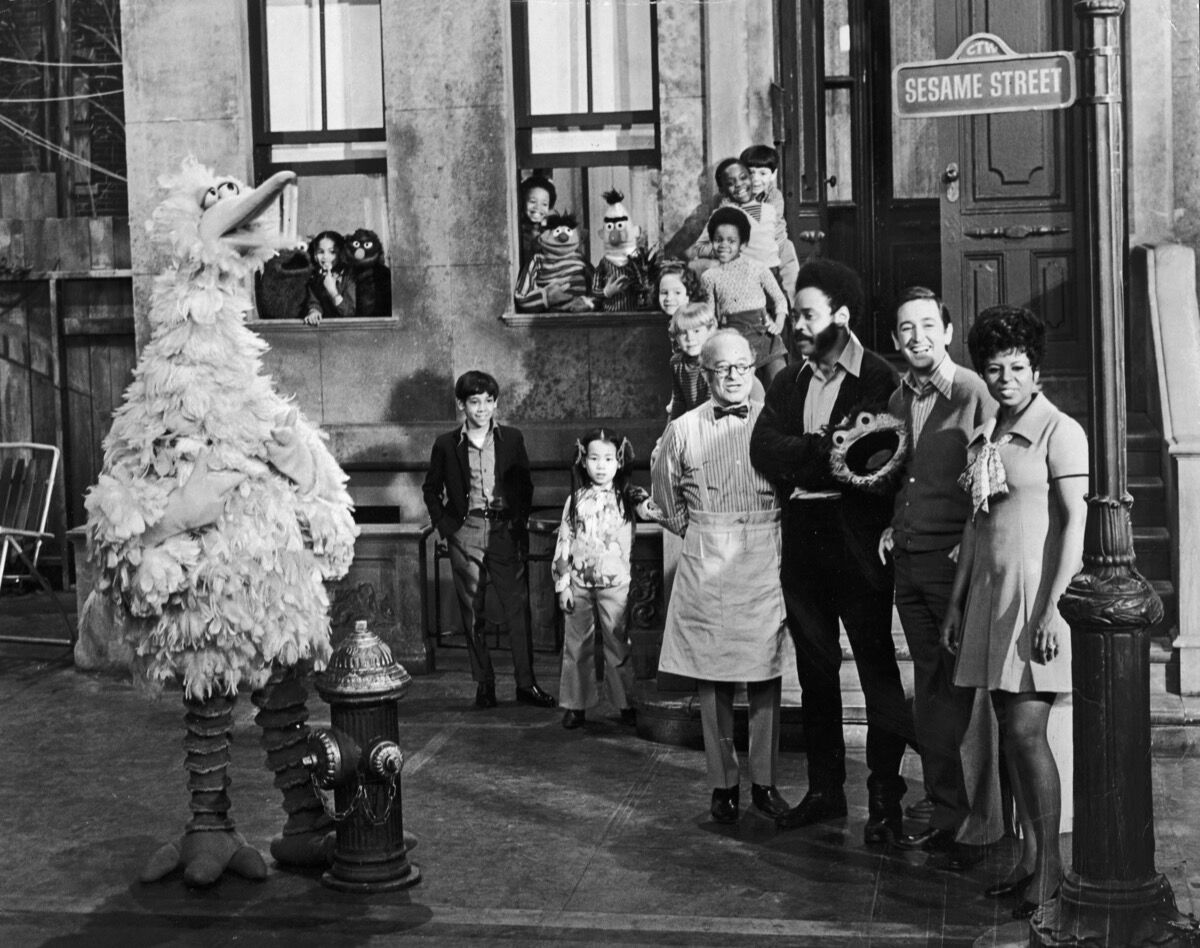 Cast members of the television show Sesame Street. Photo by Hulton Archive/Getty Images.