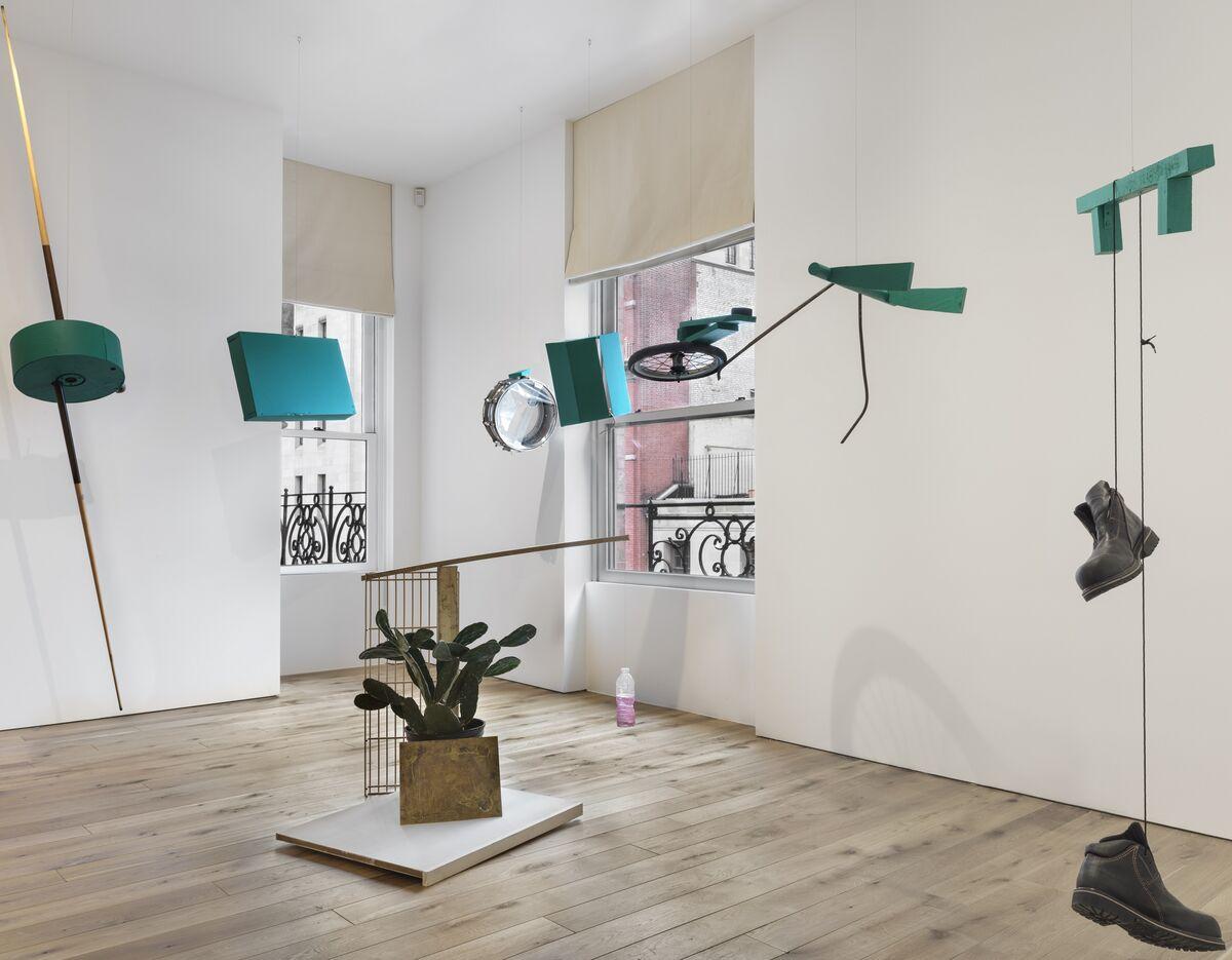 "Installation view of ""Autocontusión,"" at Kurimanzutto, 2018. Photo © EPW Studio/ Maris Hutchinson, 2018."