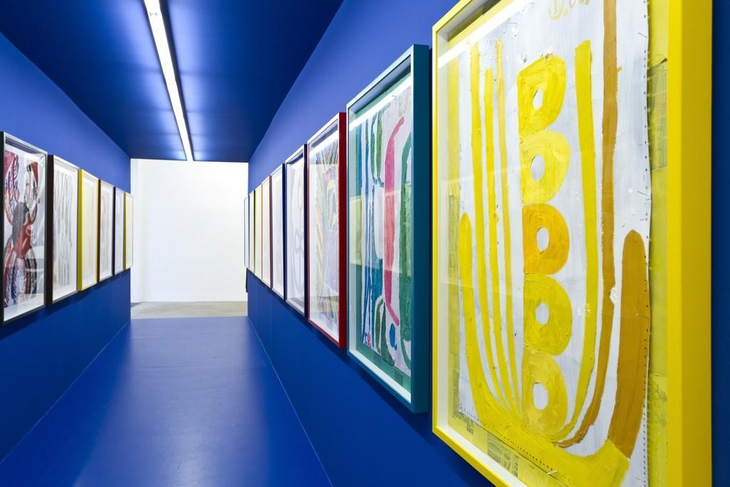 Exhibition view,Tal R,Fog over Malia Bay (2013),Galerie Elisabeth & Klaus Thoman, Vienna. Photo: © Galerie Elisabeth & Klaus Thoman.
