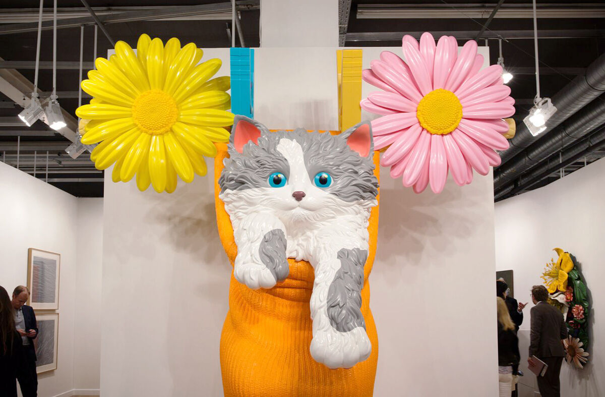 Installation view of Jeff Koons, Cat on a Clothesline, 1994, at Gagosian Gallery, Art Basel 2015. Photo by Alec Bastian for Artsy.