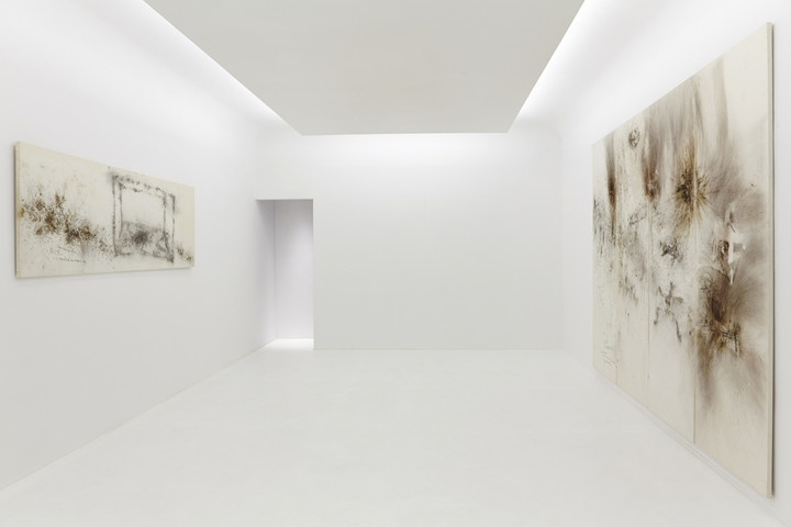 Cai Guo-Qiang at Axel Vervoordt, Hong Kong. Courtesy ofAxel Vervoordt and the artist.