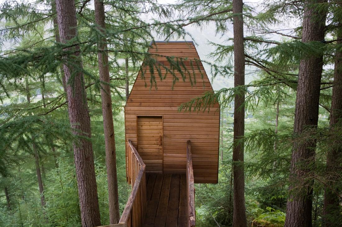 Outlandia in Glen Nevis, designed byMalcolm Fraser Architects. Courtesy of London Fieldworks.