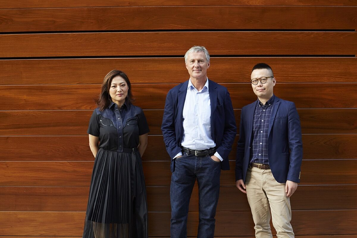 Left to right: Jennifer Yum, David Zwirner, and Leo Xu. Photo by Anna Bauer. Courtesy of David Zwirner, New York/London.